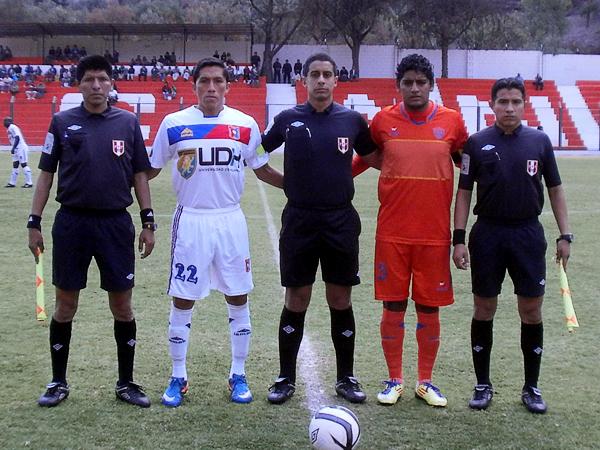 KAZUKI ITO: El equipo arbitral liderado por Luis Seminario tuvo pocas acciones que dificultaran su labor en Matucana (Foto: Cocopelotas)