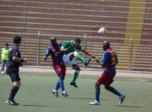 LA CLAVE.  Los Caimanes hizo dos goles en menos de diez minutos y terminó por da cuenta de un sorprendido cuadro huanuqueño. (Foto: Diario La Industria de Chiclayo)