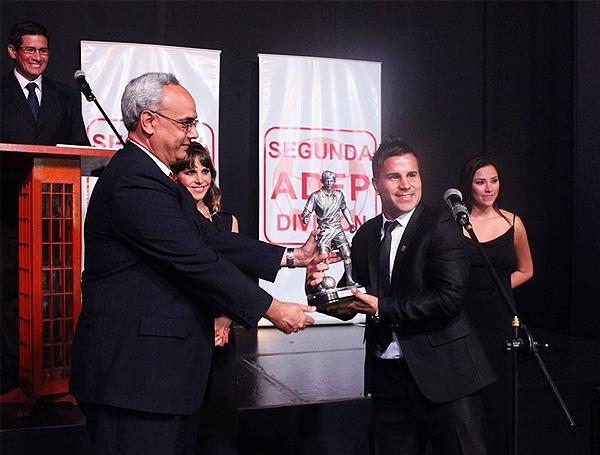 Juan Pablo Vergara fue reconocido como el mejor jugador de la temporada actuando por Alfonso Ugarte (Foto: Prensa adfp-sd)