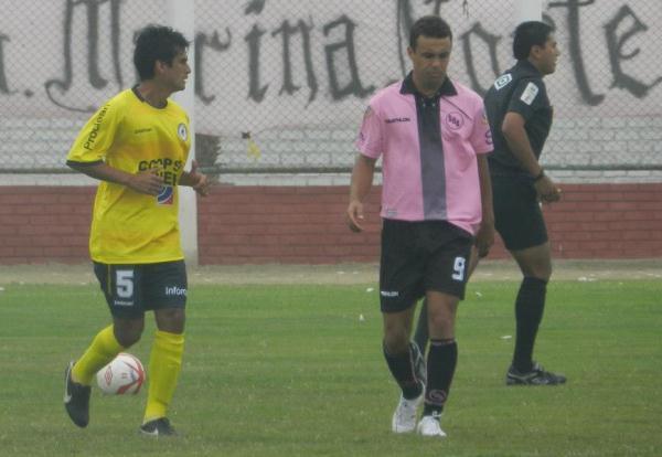 Leandro Franco no tuvo un buen debut en segunda. El brasileño se perdió varios goles cantados. (Foto: Mario Azabache / DeChalaca.com)