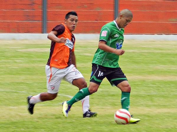 Tanto Tello, en Minero, como Condori, en Huracán, fueron los picos más regulares en un partido que acabó sin abrir el marcador con total justicia. (Foto: Aldo Ramírez / DeChalaca.com)