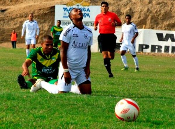 Einer Vásquez fue uno de los jugadores más peligrosos de Sport Áncash. Puso en serios aprietos a la defensa de Walter Ormeño. (Foto: Luis Chacón / DeChalaca.com)