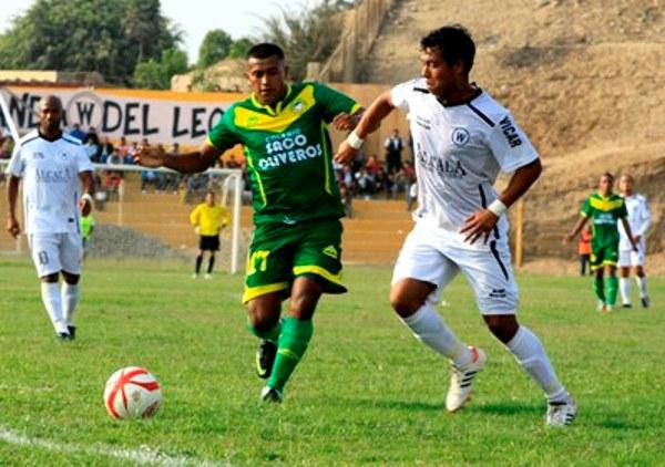El despliegue de Noams Oyola fue fundamental para que Walter Ormeño cosechara su primer triunfo en Segunda División. (Foto: Luis Chacón / DeChalaca.com)