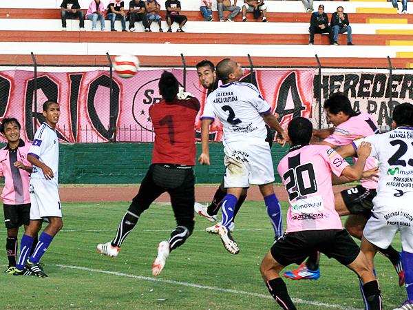 A Boys le toca una vez más afrontar un año en el que lo deportivo debería pasar a un segundo plano (Foto: Luis Chacón / DeChalaca.com)