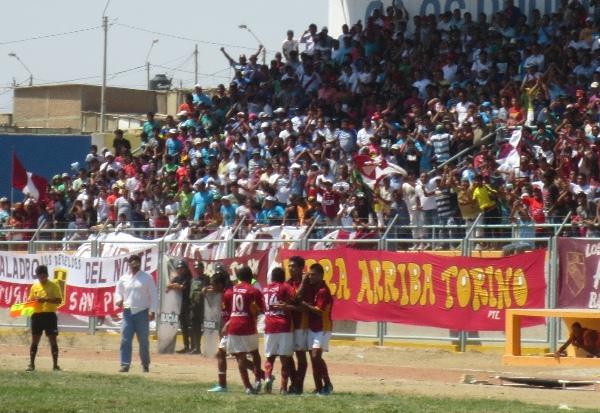 El estadio  Wigberto Herrera de Negritos lució un lleno total en la goleada del 'Taladro'. (Foto: Diario La Hora de Piura)