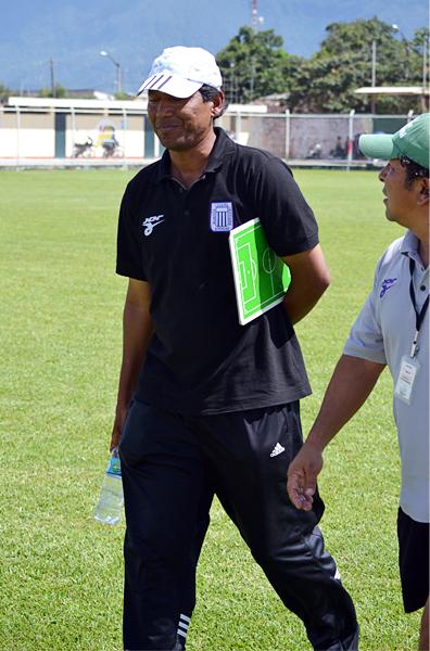 Octavio Vidales se mantuvo como técnico de Alianza Cristiana hasta que los problemas del equipo explotaron (Foto: Emilio Ruiz)