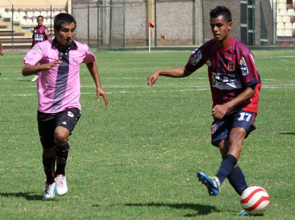 Irregular partido de Alexander Salas. El volante de Alianza Universidad solo tuvo chispazos de fútbol ante Boys. (Foto: Mihay Rojas / DeChalaca.com)