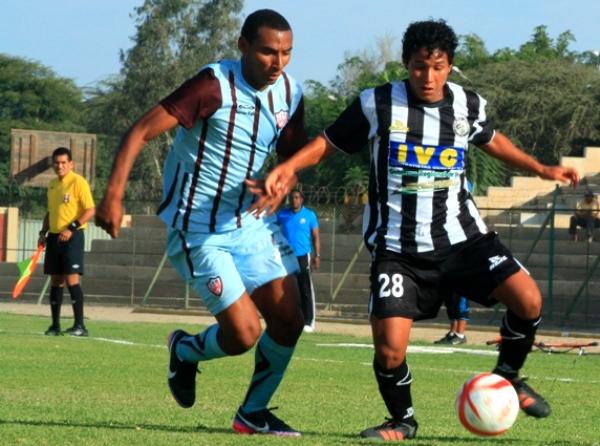 Álvaro Palacios fue el jugador más participativo del cotejo. De sus pies salieron la mayoría de ataques de Sport Victoria. (Foto: Luis Chacón / DeChalaca.com)