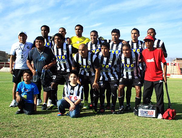 El clásico 4-cuadrado-2 primó en las alineaciones de Sport Victoria que cumplió una irregular temporada en la Segunda División (Foto: Luis Chacón / DeChalaca.com)