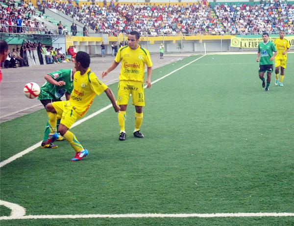 Pucallpa fue una de las plazas más complicadas de visitar a lo largo del torneo, tanto por lo futbolístico como por el traslado (Foto: Davidson Arce / DeChalaca.com)