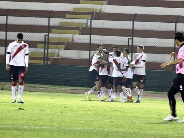 Leandro Franco le daba la primera alegría al Boys, pero a poco de iniciado el segundo tiempo llegó el tanto de Fajardo, que ponía las cosas 1-1. (Foto: Miguel Koo / DeChalaca.com)