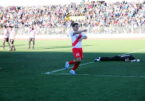 En el Torres Belón no entró ni un puneño más la vez que Alfonso Ugarte goleó como local a Boys (Foto: adfp-sd)