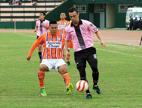 El brasileño Leandro Franco fue la figura de Boys hasta que optó por dejar el equipo por los problemas económicos del club (Foto: Luis Chacón / DeChalaca.com)