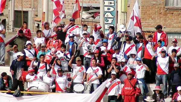 La afición puneña volvió a ser exigente con su equipo producto de la escasa definición que presenta el sector ofensivo del Ugarte (Foto: Puno Deportes)