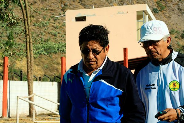 Javier Arce le deja la posta a Johano Bermúdez en San Alejandro, aunque solo sea para el tramo final del actual torneo de la Segunda División (Foto: Luis Chacón / DeChalaca.com)