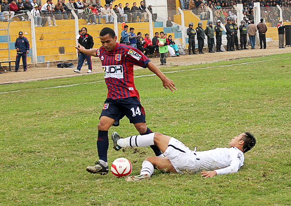 Samuel Castro duró poco el tiempo en Imperial donde su reemplazante, el brasileño Smith, acabó por influir con goles en el marcador (Foto: Acxel Ochoa / Golazo Deportivo Cañete)
