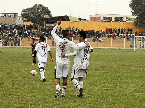 En tiempo extra el '18' local, Ítalo Pareja, marcó un gol que a la postre terminó siendo el de la victoria ya que junto al pitazo final llegó un último descuento de Alianza Universidad (Foto: Acxel Ochoa / Golazo Deportivo Cañete)