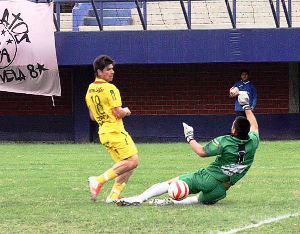 Mauro da Silva llegó a San Alejandro para reforzarlo en el tramo final del torneo y demoró poco en responder con goles (Foto: Johann Begazo / DeChalaca.com)