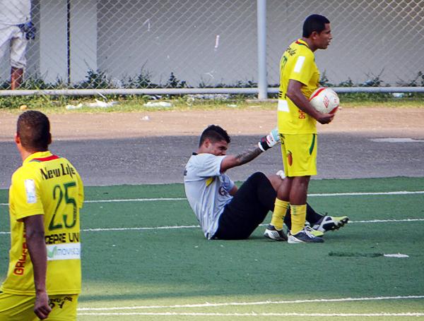 Pese a todo, Ángelo Campos fue al final quien se erigió como el mejor del partido al salvar más de una ocasión clara de las que generó Torino en el segundo tiempo (Foto: Diario Ahora de Pucallpa)