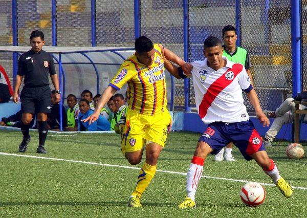 Ante Municipal, Minero estrenó una nueva camiseta que tuvo la peculiaridad de color amarillo. (Foto: Miguel Koo Vargas / DeChalaca.com)