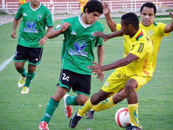 Luis Pastor resultó una grata sorpresa jugando para Huracán, ganándose rápido un puesto en el once titular del cuadro verdolaga (Foto: Iván Carpio / DeChalaca.com)