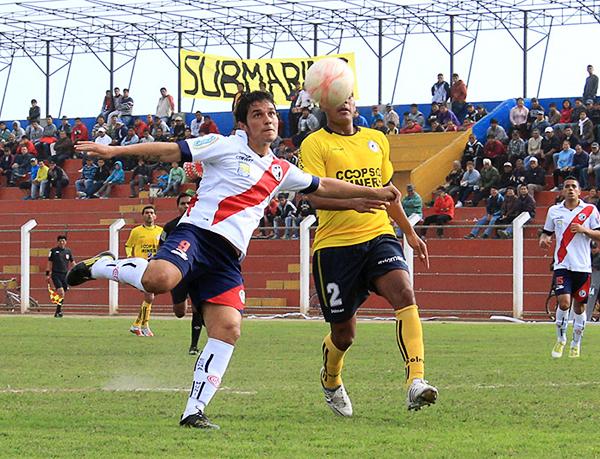 Natalio Portillo no pudo sacarse de encima su rendimiento en la última temporada y con Municipal apenas si cumplió con anotar dos goles (Foto: Piero Herrera Larrea / Prensa Deportivo Municipal)