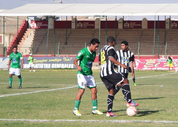 En honor al empuje, Sport Victoria logró la parida en la última acción del partido mediante Carlos Caraz. (Foto: Carlos Vela / DeChalaca.com)