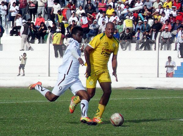 El brasileño Douglas Caé tuvo una opaca actuación en el último partido del cuadro cañetano que no tuvo respuesta en ofensiva para lograr el empate (Foto: Luis Tasayco Sánchez)