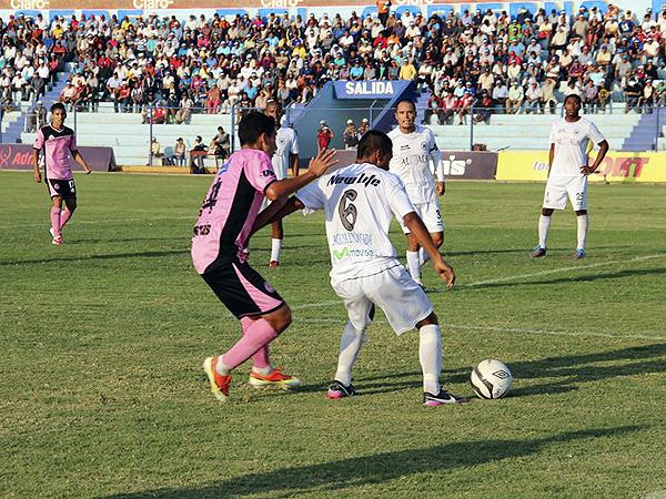 Wálter Ormeño se plantó bien en Huacho donde pudo anotar el primer gol, pero Pacífico tuvo la paciencia necesaria para voltearle el marcador (Foto: prensa Pacífico FC)