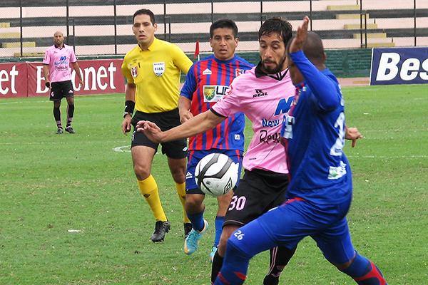 El FIFA Diego Haro suele ser discutido. El Boys - Alianza Universidad se le presentó como un partido muy complicado (Foto: Geraldine Estrada / prensa Sport Boys)