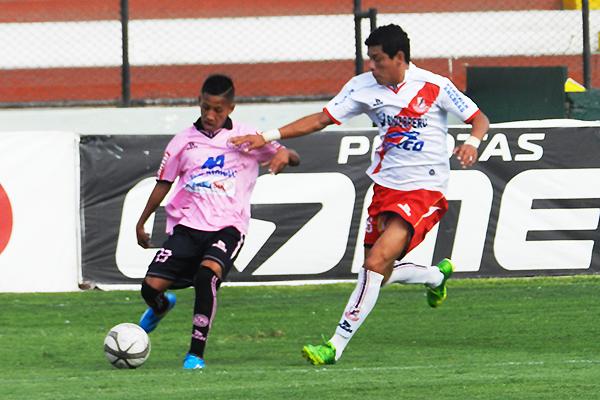 Raúl Tito ha sabido jugar como atacante por las bandas (Foto: Aldo Ramírez / DeChalaca.com)