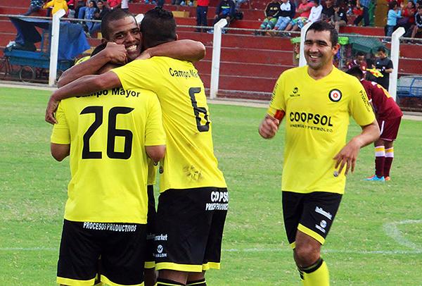 Coopsol cambió de escudo para esta temporada (Foto: Antonio Alcarraz Martínez / prensa Coopsol)