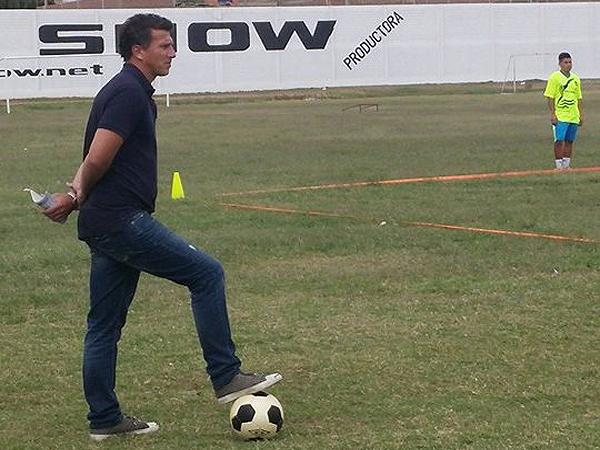 Flavio Maestri ya comenzó sus labores como nuevo entrenador de Sport Chavelines Junio (Foto: prensa Sport Chavelines)