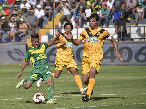 Jorge Araujo fue clave en la defensa de Cantolao: lideró la zona más fuerte del equipo de Carlos Silvestri. (Foto: Raúl Chávarry / DeChalaca.com)