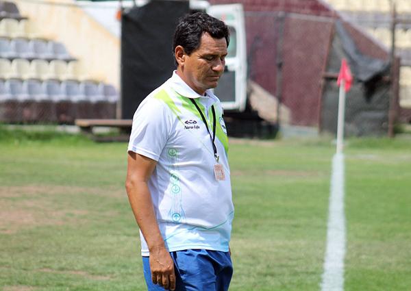 Marcial Salazar quiso revertir el trámite con el ingreso de Josías Cardoso, pero no le funcionó el cambio. (Foto: prensa ADFP-SD)