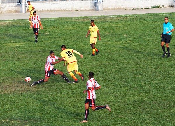 Huaral sorprendió a Santa Rosa desde el inicio, pero no pudo sostener su juego. (Foto: Gilberth Chiquillán)