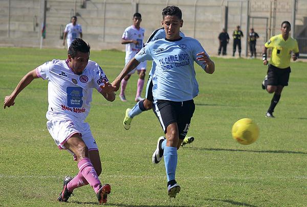 Boys se replegó y aguantó el 0-1 a favor con que se salvó de la baja. (Foto: Marco Barandiarán)