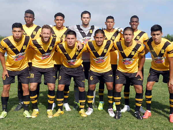 Cuando empezó la temporada, Cantolao aún mantenía un contraste entre dorado y negro. (Foto: Mario Azabache / DeChalaca.com)