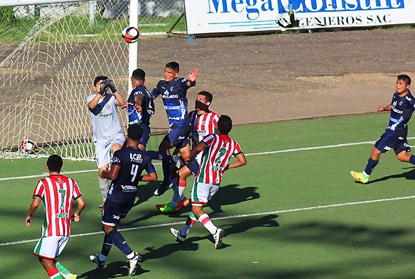 El juego aéreo fue uno de los recursos más importantes de Cienciano. (Foto: Alejandro Roque / Visión Deportes)