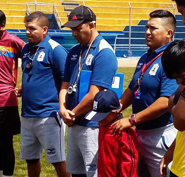 Presentación del nuevo comando técnico del Alfredo Salinas encabezado por el ecuatoriano Ramón Castro (Foto: prensa Alfredo Salinas)