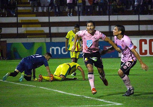 Fano es la figura del ataque rosado. (Foto: Prensa Sport Boys)
