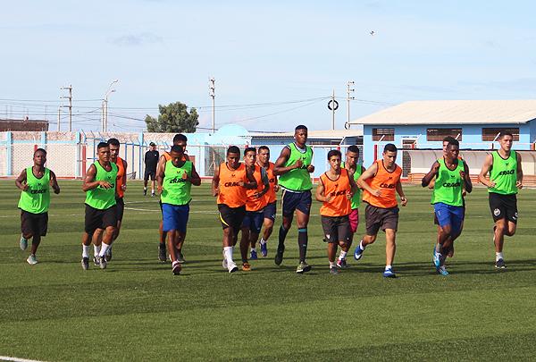 Bajo la dirección técnica de Mario Flores, Defensor La Bocana ya dio inicio a su pretemporada. (Foto: diario La Hora de Piura)