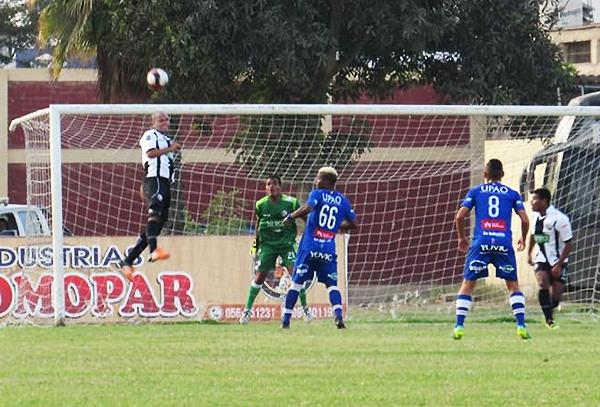 Arner Goyoneche (Foto: prensa Sport Victoria)