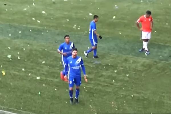 Ronaille Calheira celebra el gol de Hualgayoc. Un empate que sirve. (Captura: América TV)