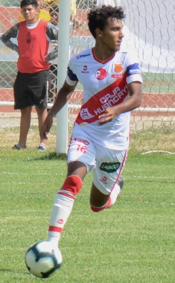 Un obús inteligente en el pie derecho le dio a Neira ribetes de protagonismo en la temporada. (Foto: Víctor Figueroa / DeChalaca.com)