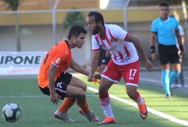 Diego Cañari fue una grata aparición por la banda izquierda en medio de los problemas de Loreto. (Foto: Joseph Hurtado / DeChalaca.com)