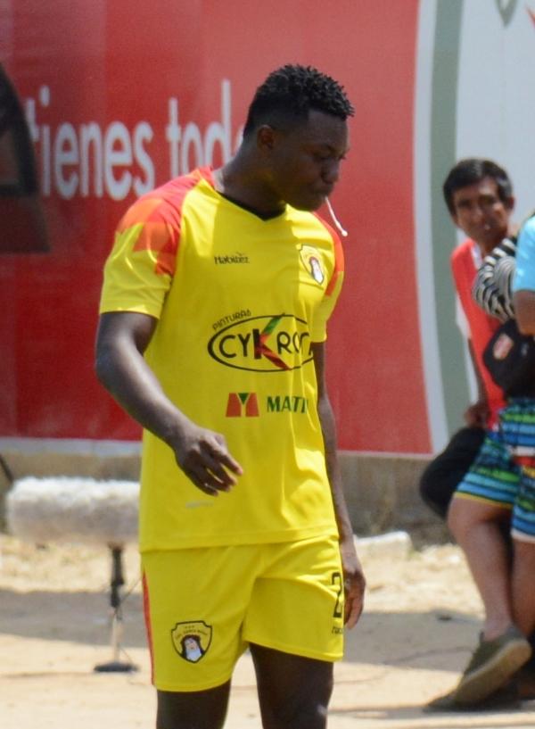 El desempeño de Agámez estuvo muy por debajo de las expectativas cifradas en él. (Foto: Víctor Figueroa / DeChalaca.com)