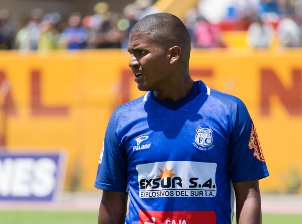 Se esperaba mucho de Quevedo en Santos luego de su buen paso por Victoria, pero no aprovechó la chance. (Foto: Prensa Santos FC)