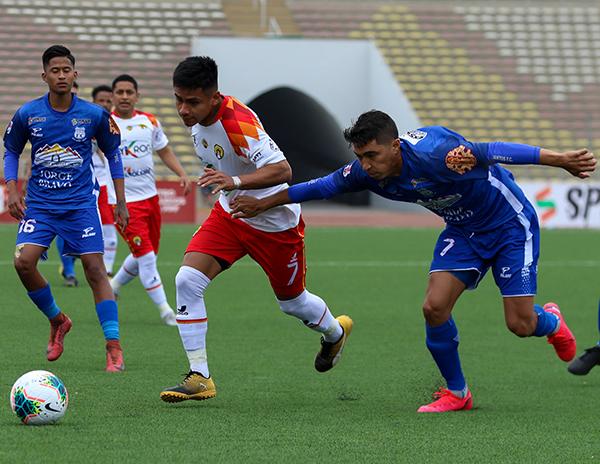 Santos estuvo muy lejos de encontrar una versión competitiva y desdibujó lo bueno que había alcanzado en su primera incursión en la categoría. (Foto: Pedro Monteverde / DeChalaca.com)