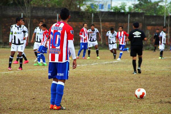 Minsa impuso la novedad en la Copa Perú: uniformes con números y apellidos de los jugadores. (Foto: Deyvi Mestanza)